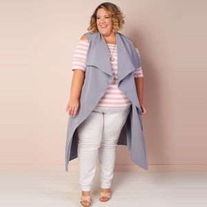 Size 22/24 Society+ Chicest of them all vest grey